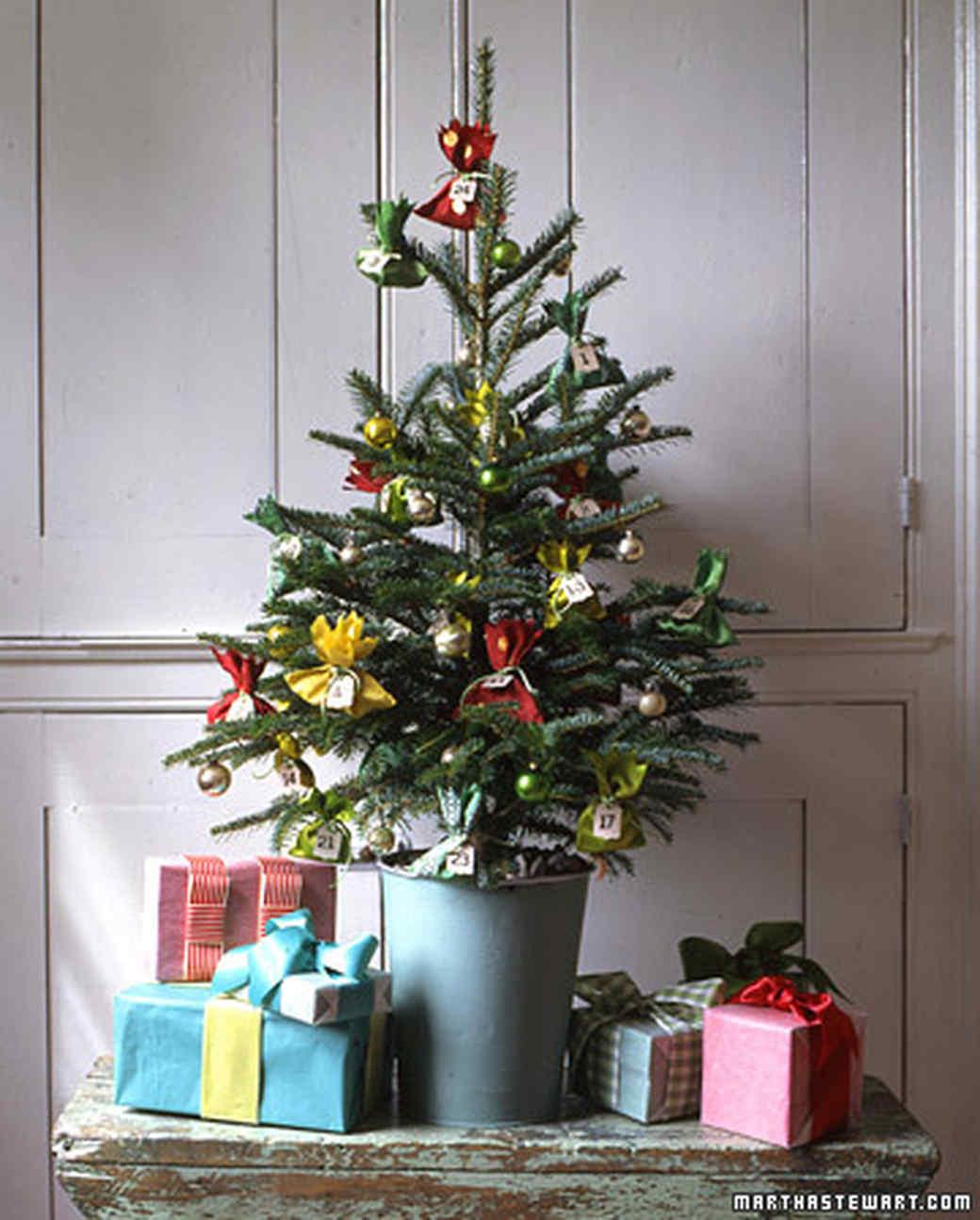Advent Ornaments: Wide Ribbon Pouches