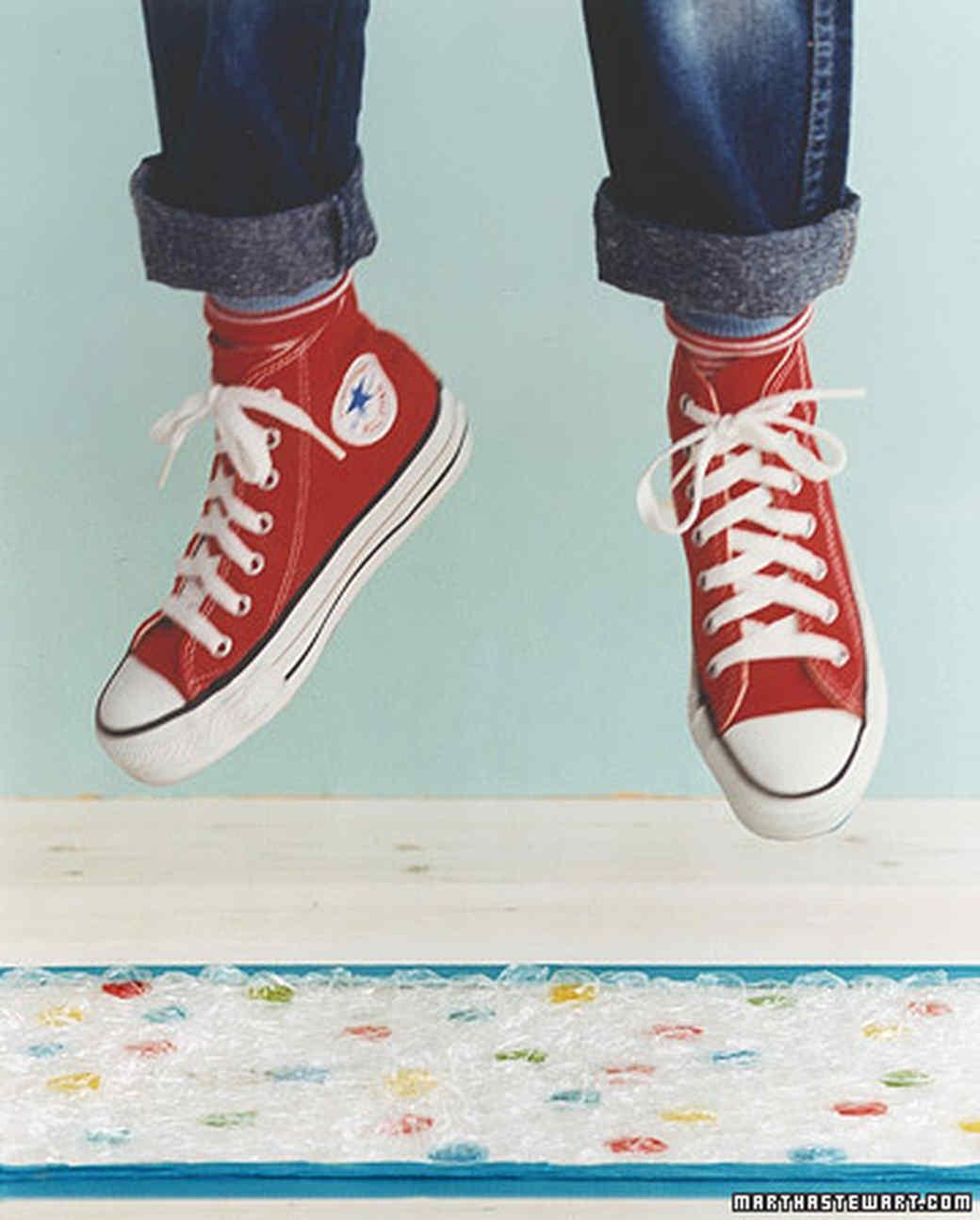 ka99703_hol02_shoes1.jpg