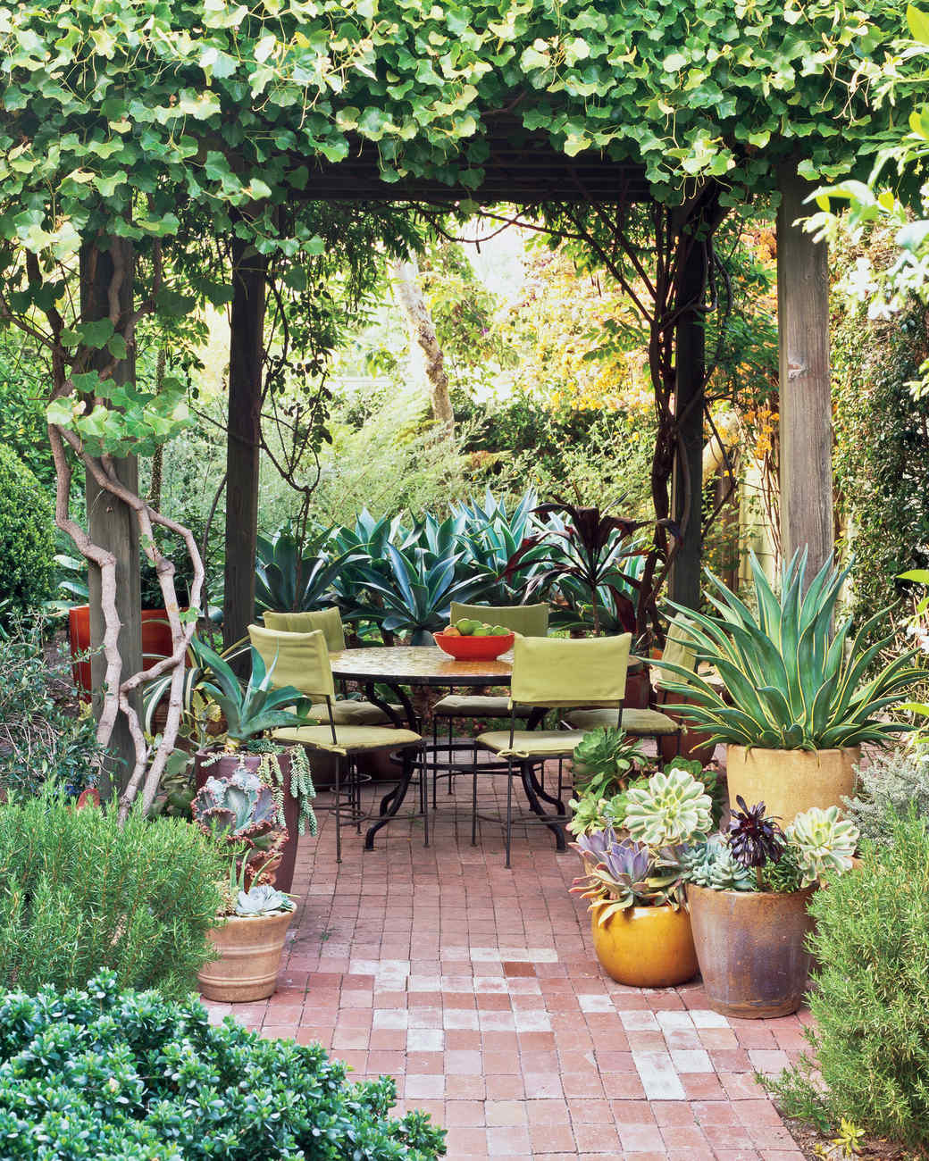 mlheeger1_0910_patio.jpg