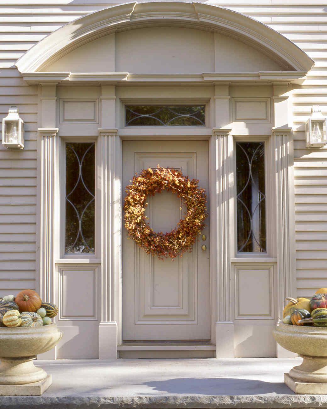 Seasonal Wreaths   Martha Stewart