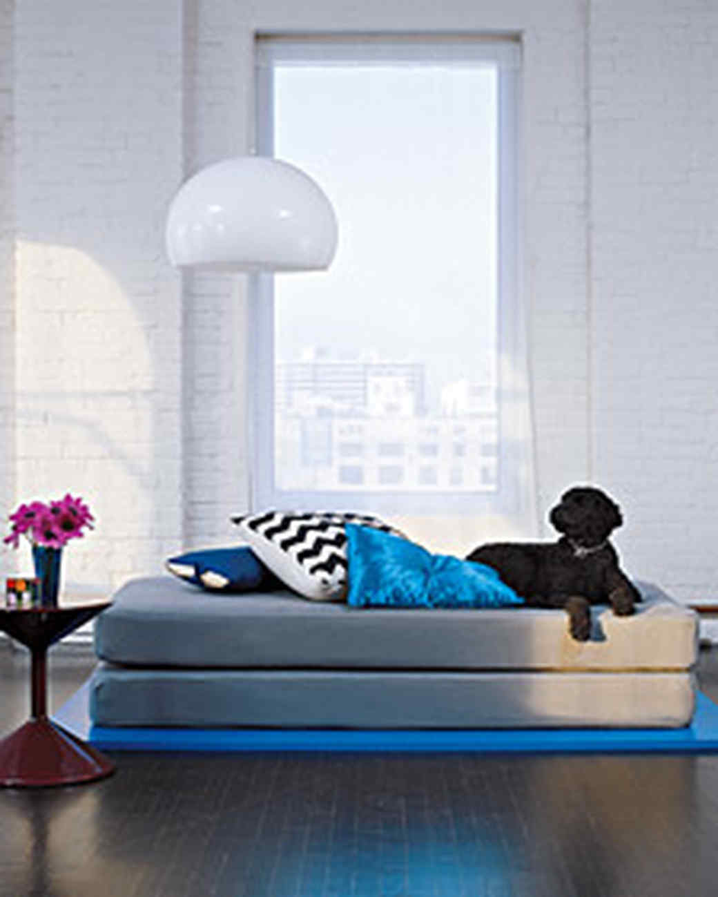 pa102930_0707_daybed.jpg