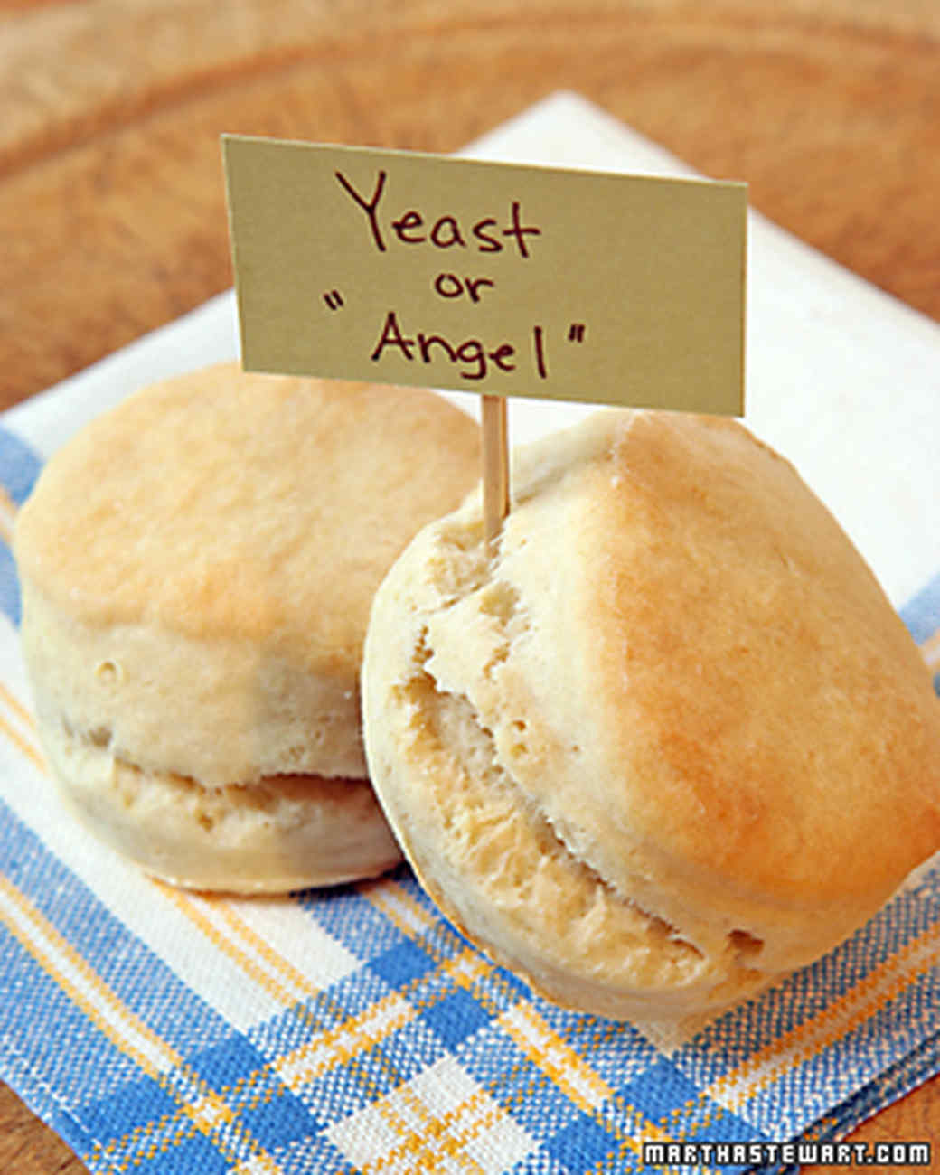 1129_recipe_biscuits1.jpg