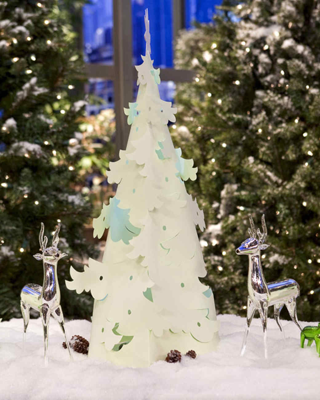 pop up christmas trees video martha stewart - Pop Up Christmas Tree With Lights And Decorations