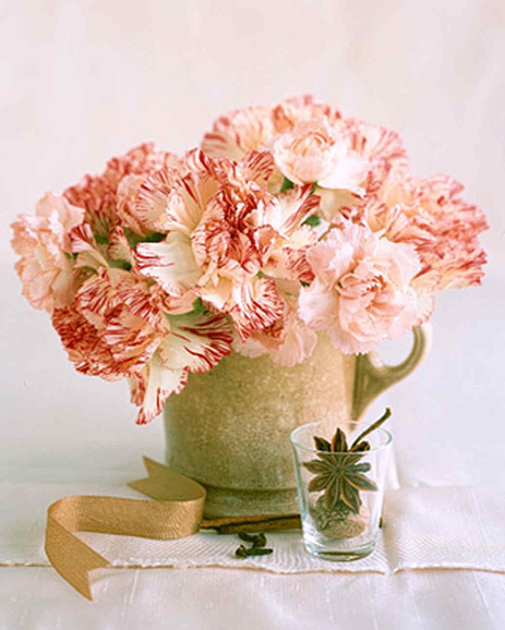 a98600_gar_carnations.jpg