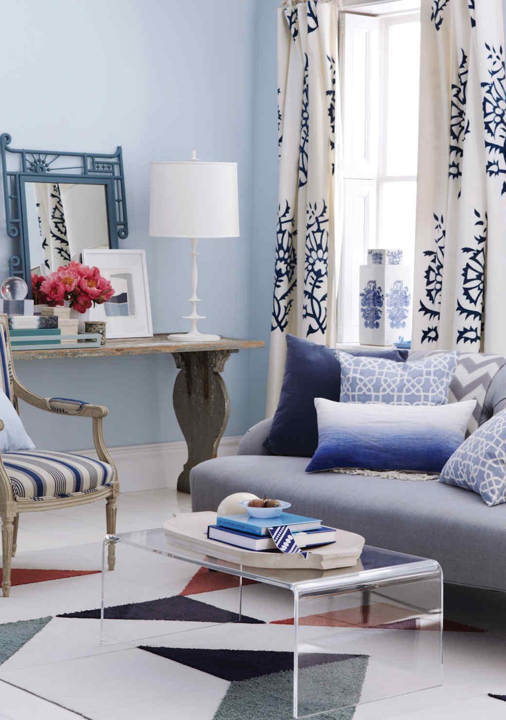blue-living-room-1016.jpg (skyword:349114)