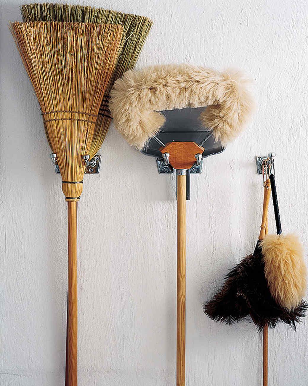 mla102284_0207_brooms.jpg
