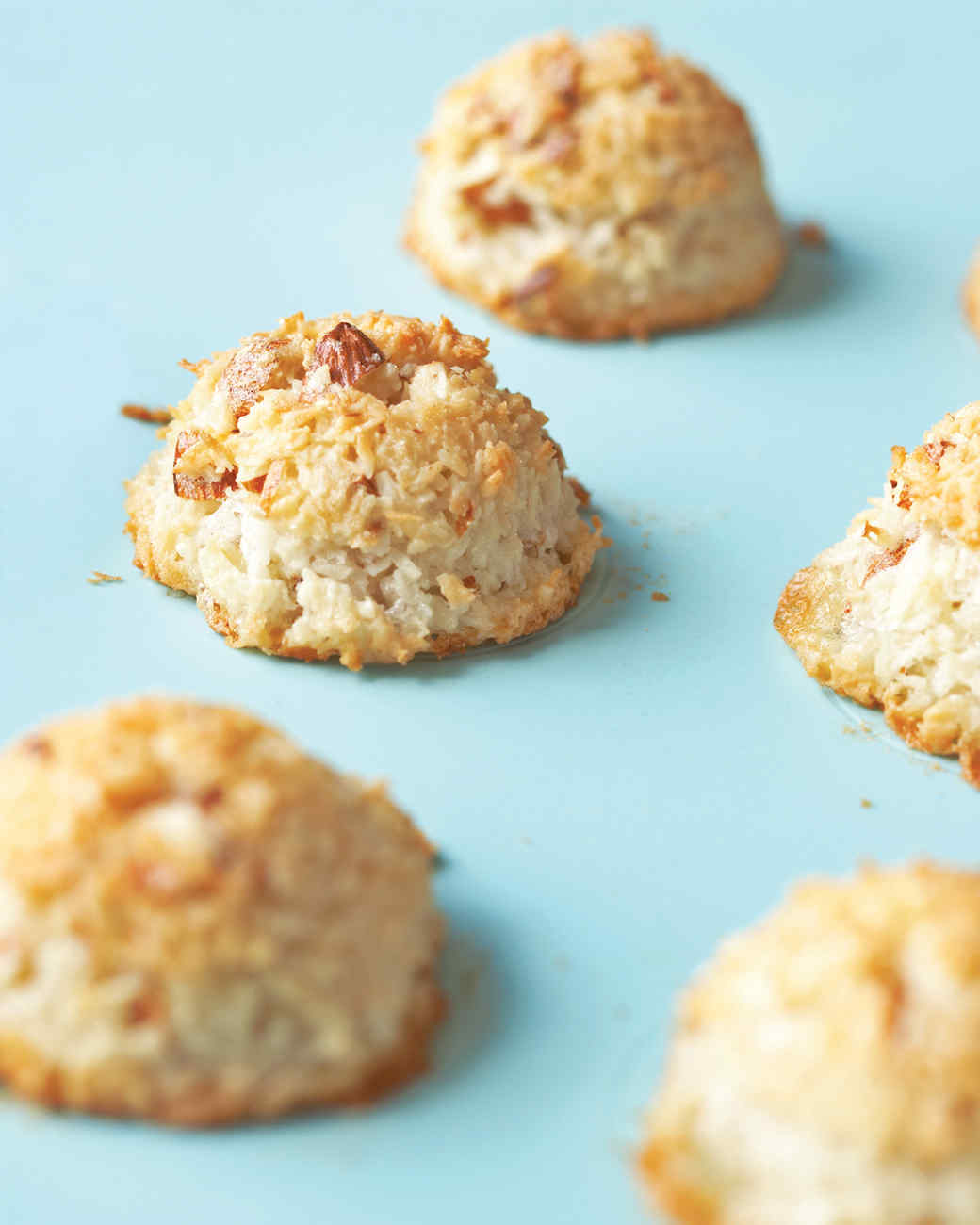20 Passover Dessert Recipes That Might Become Your New Family Yummy Bites 123 Flavor Strawbearry Tradition Martha Stewart