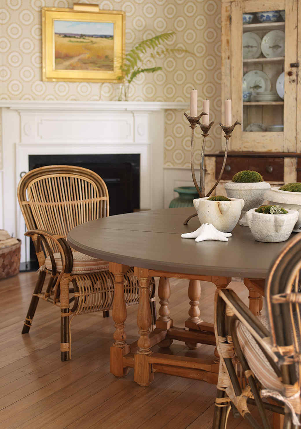 wood-dining-room-1016.jpg (skyword:349648)