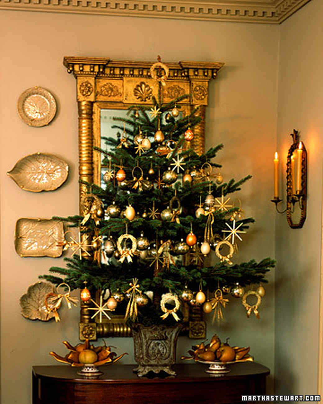 28 creative christmas tree decorating ideas martha stewart