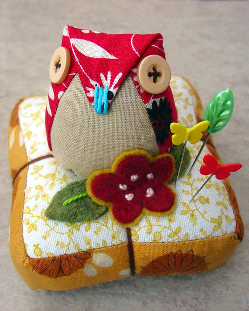 crafter_owl_pincushion.jpg