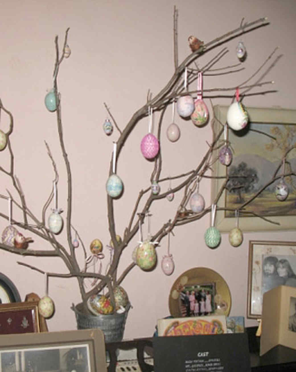 ew_march08_easter_tree.jpg