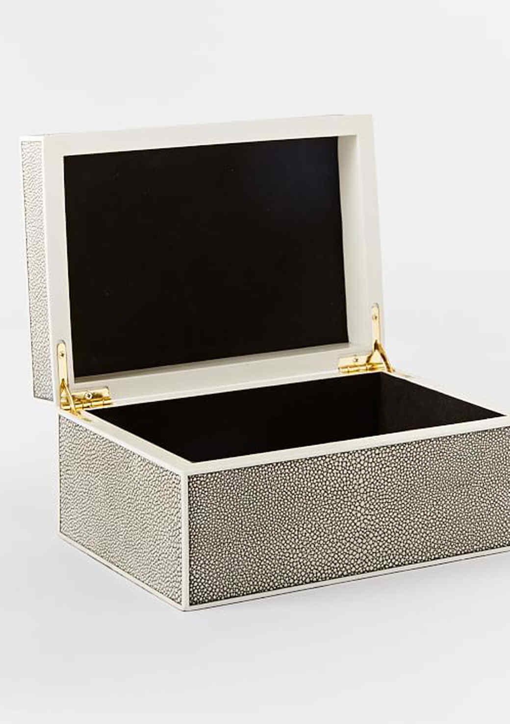 faux-shagreen-box-0116.jpg (skyword:224753)