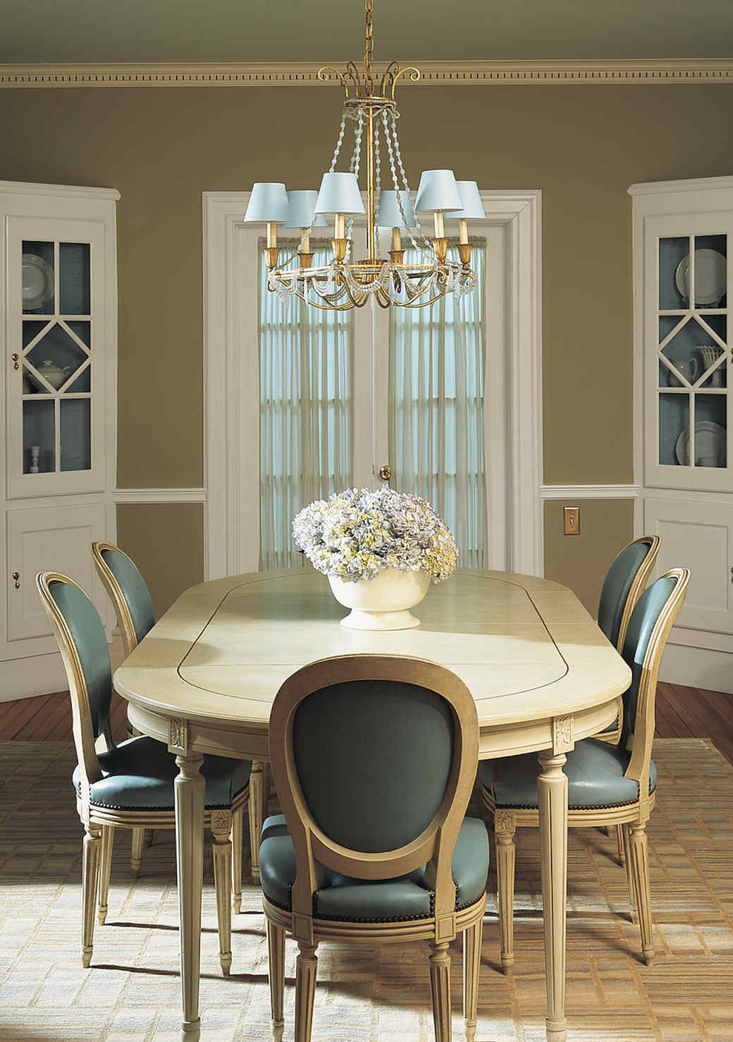 green-dining-room-1016.jpg (skyword:349537)