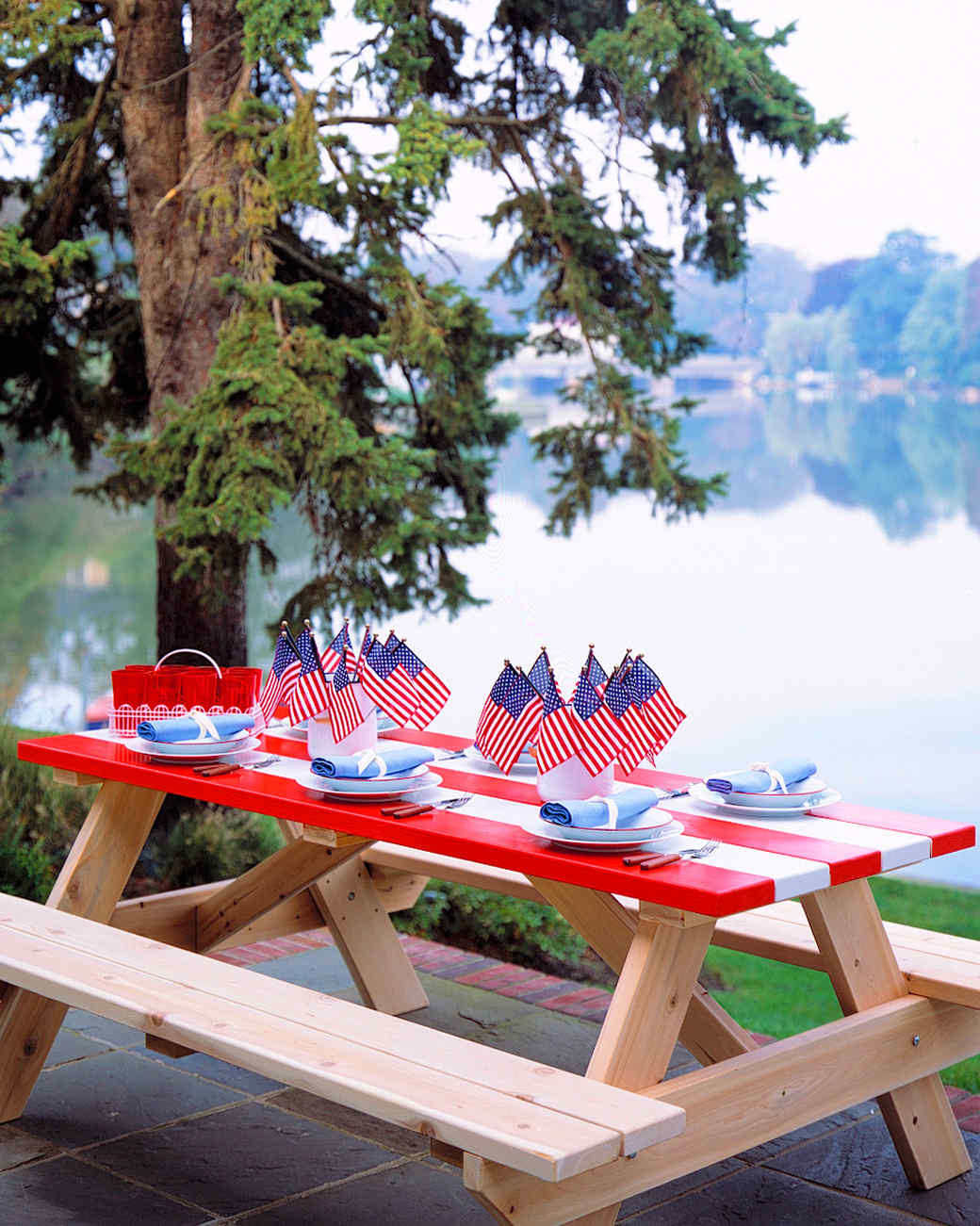 patriotic red white and blue crafts and party decorations martha stewart - Outdoor Decorations For Summer