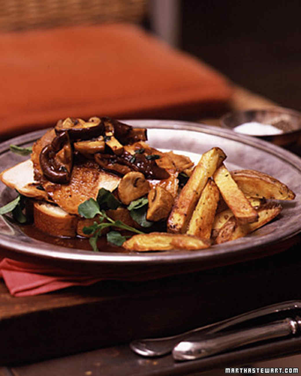 Open-Faced Turkey Sandwich with Mushroom Gravy