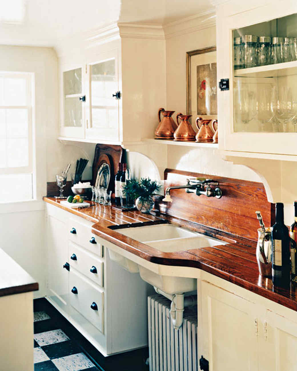 Rustic Yellow Kitchen: A Rustic Revelation: 8 Creative Country Kitchen Ideas