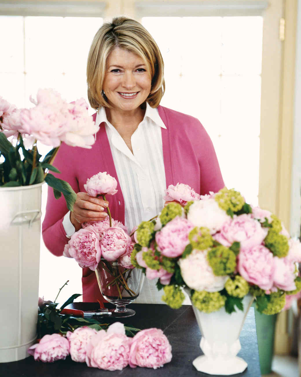 how to cut peonies for flower arrangements