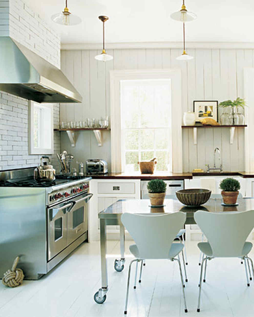 Home Tours of Gorgeous Kitchens | Martha Stewart