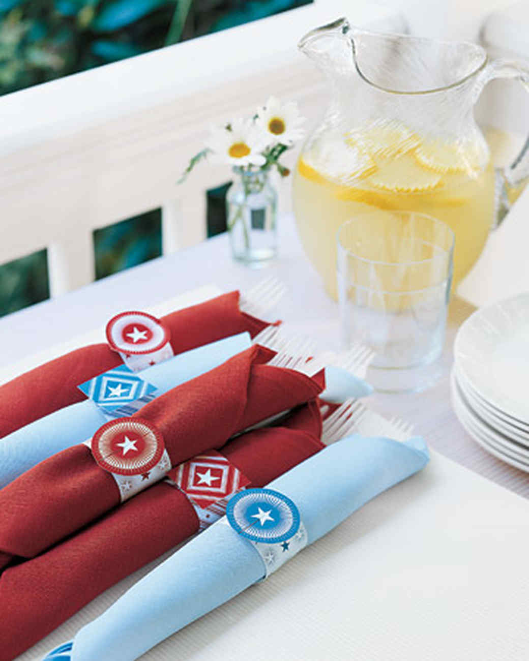msl_july05_napkinrings.jpg
