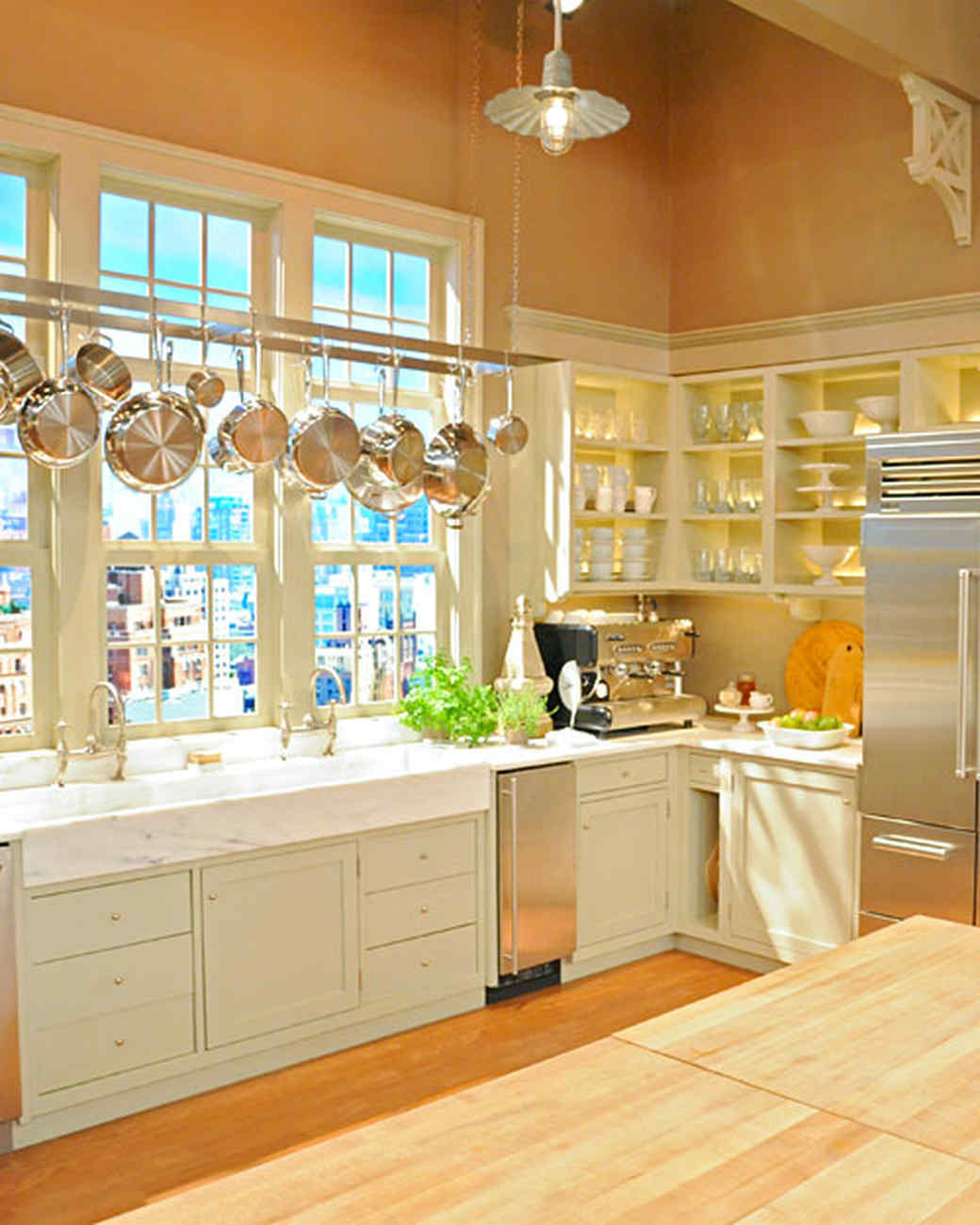''The Martha Stewart Show'' Set Tour | Martha Stewart