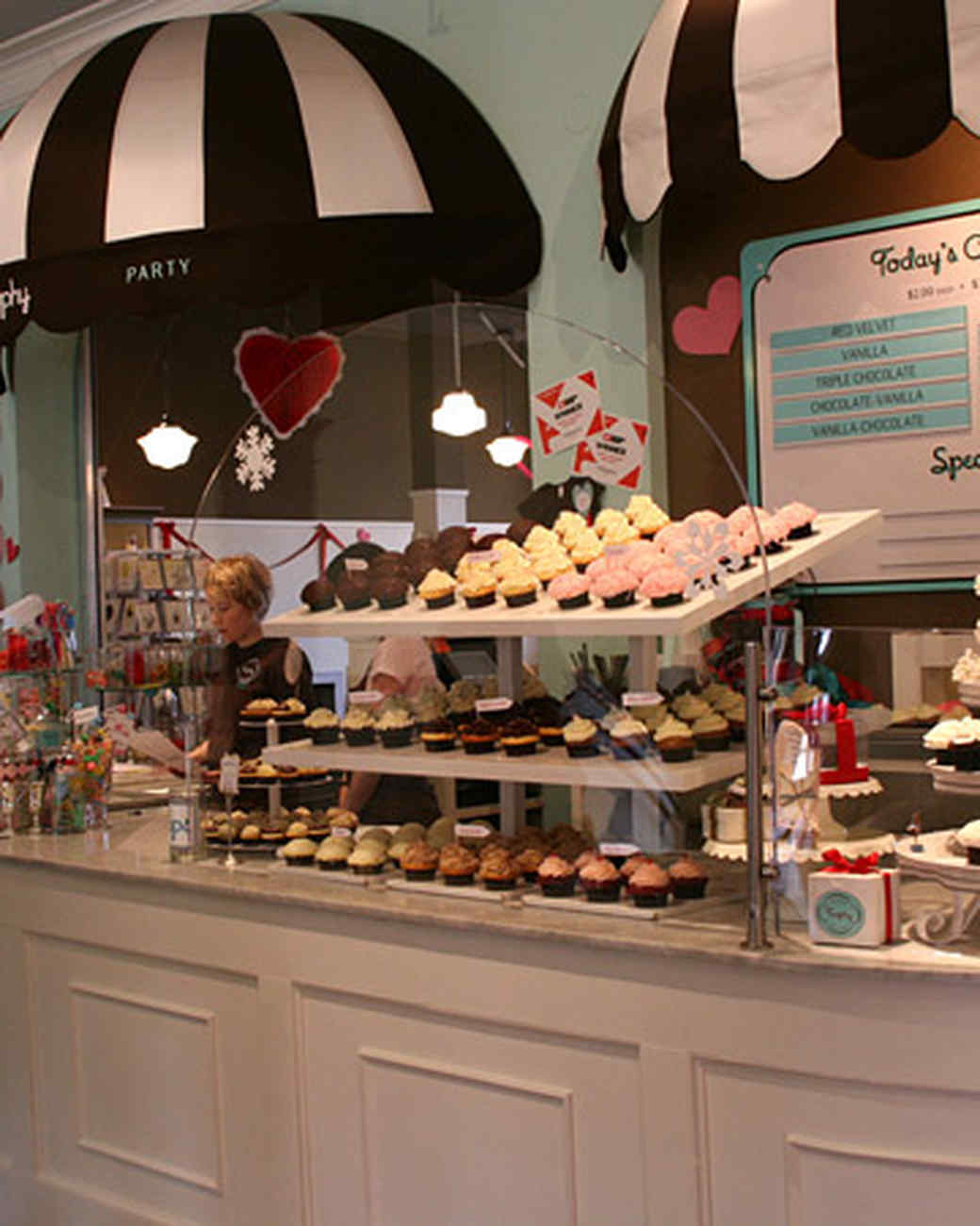 How To Decorate Shops: Martha's Favorite Cupcake Bakeries