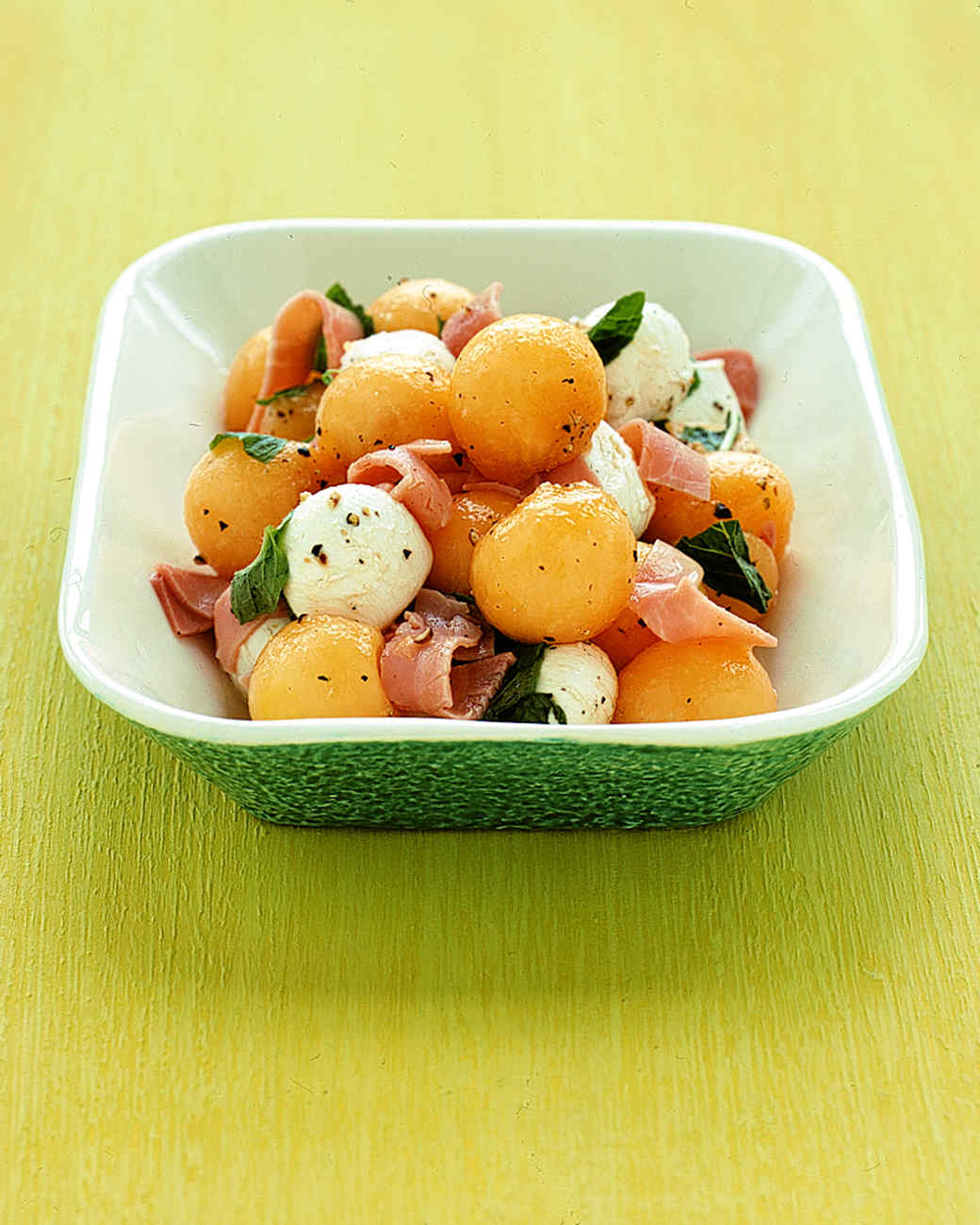 Cantaloupe and Bocconcini Salad with Mint