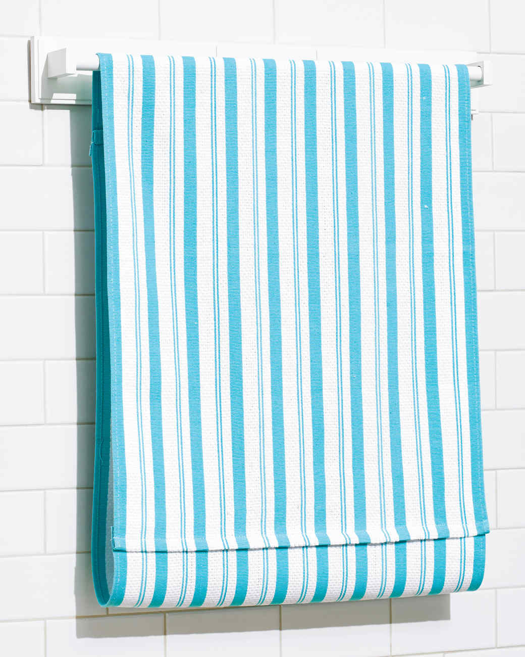 A Clever Towel-Hanging Solution