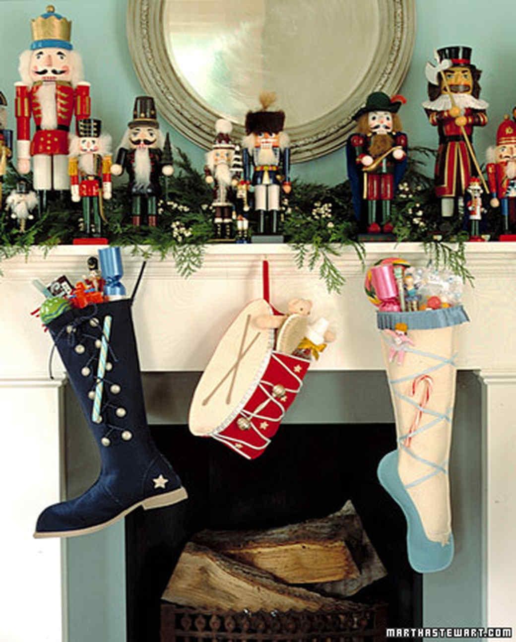 ka99011_hol01_stockings.jpg