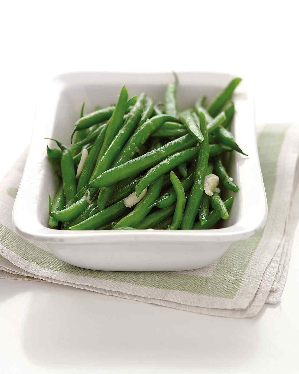 steamed green beans white dishsteamed green beans