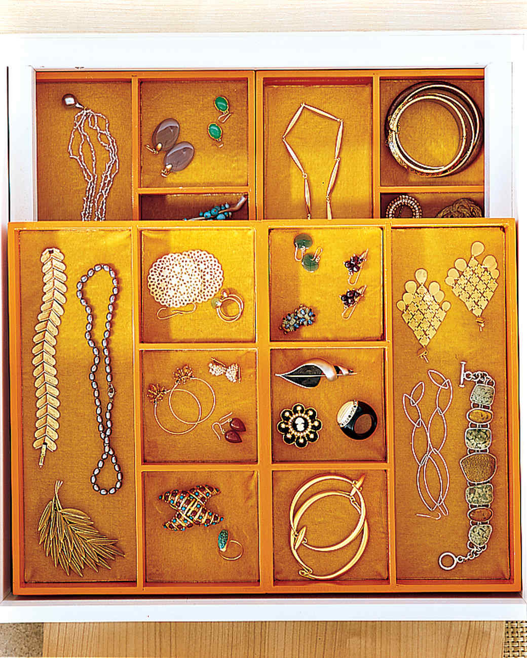 mla_104332_0109_jewelry.jpg