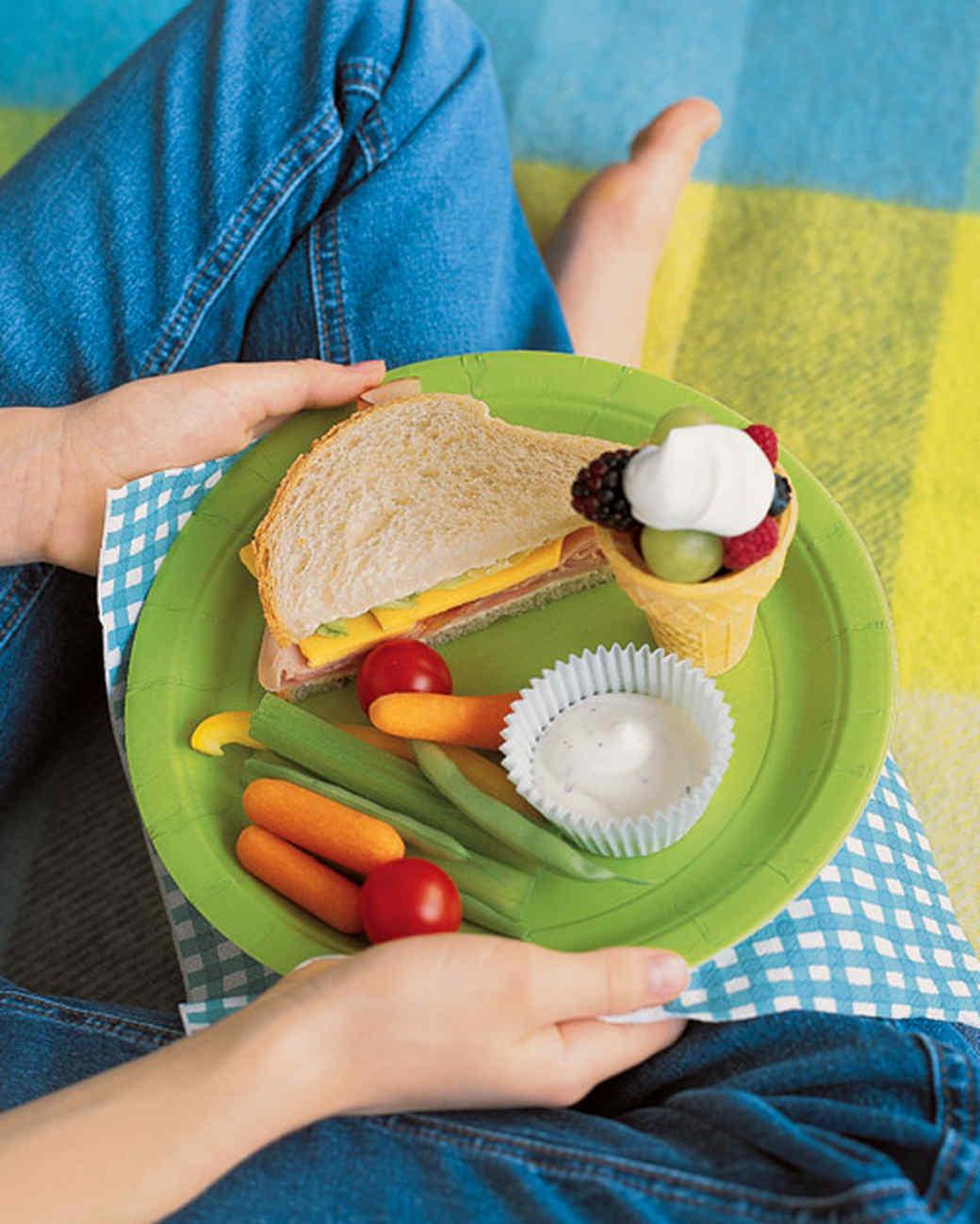 mslkids0603_picnic_xh2s.jpg