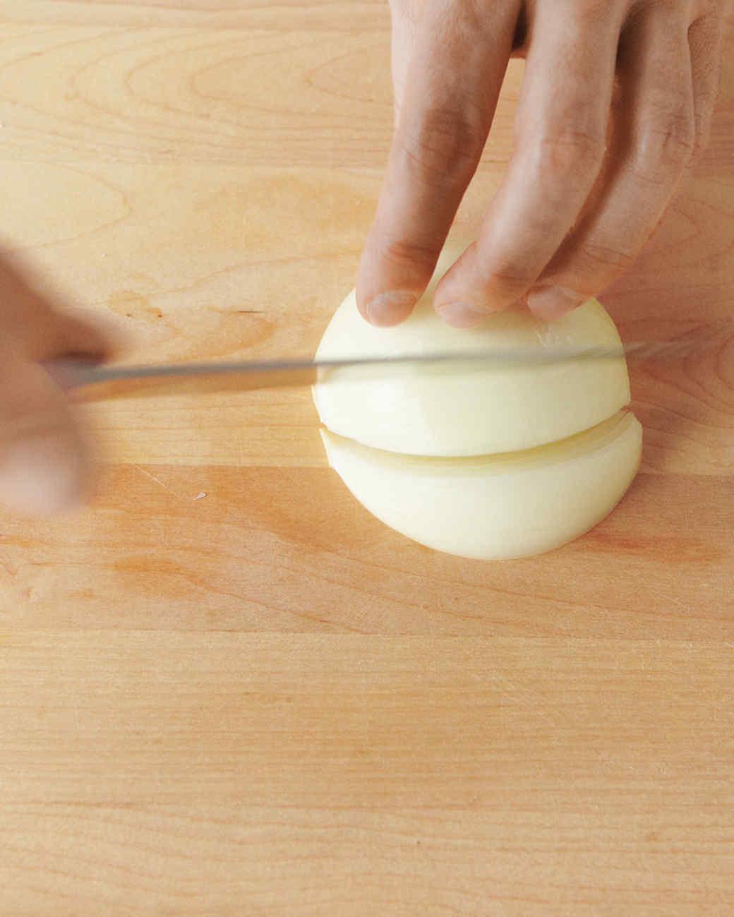 onion-wedge-1-med108359.jpg