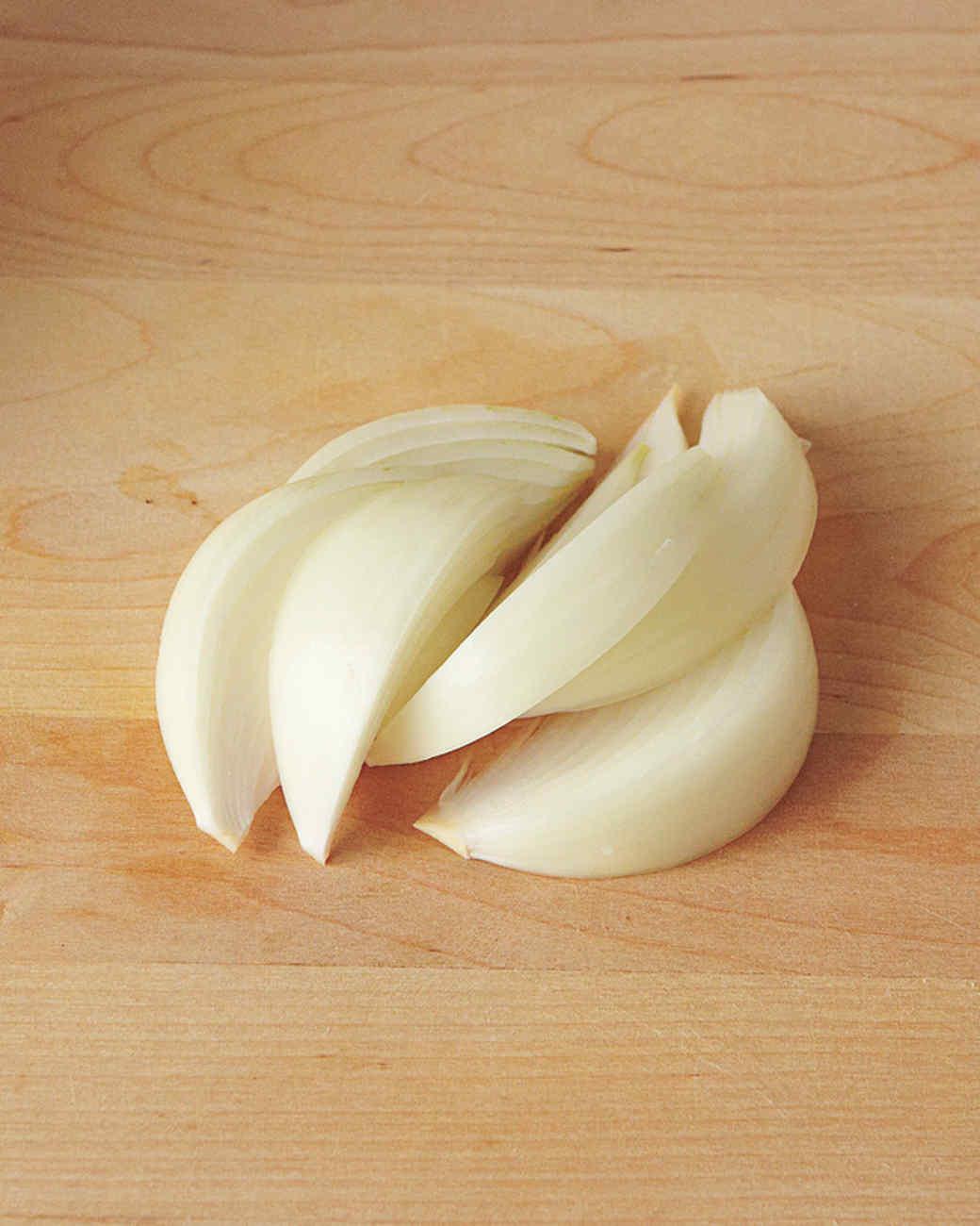 onion-wedge-2-med108359.jpg