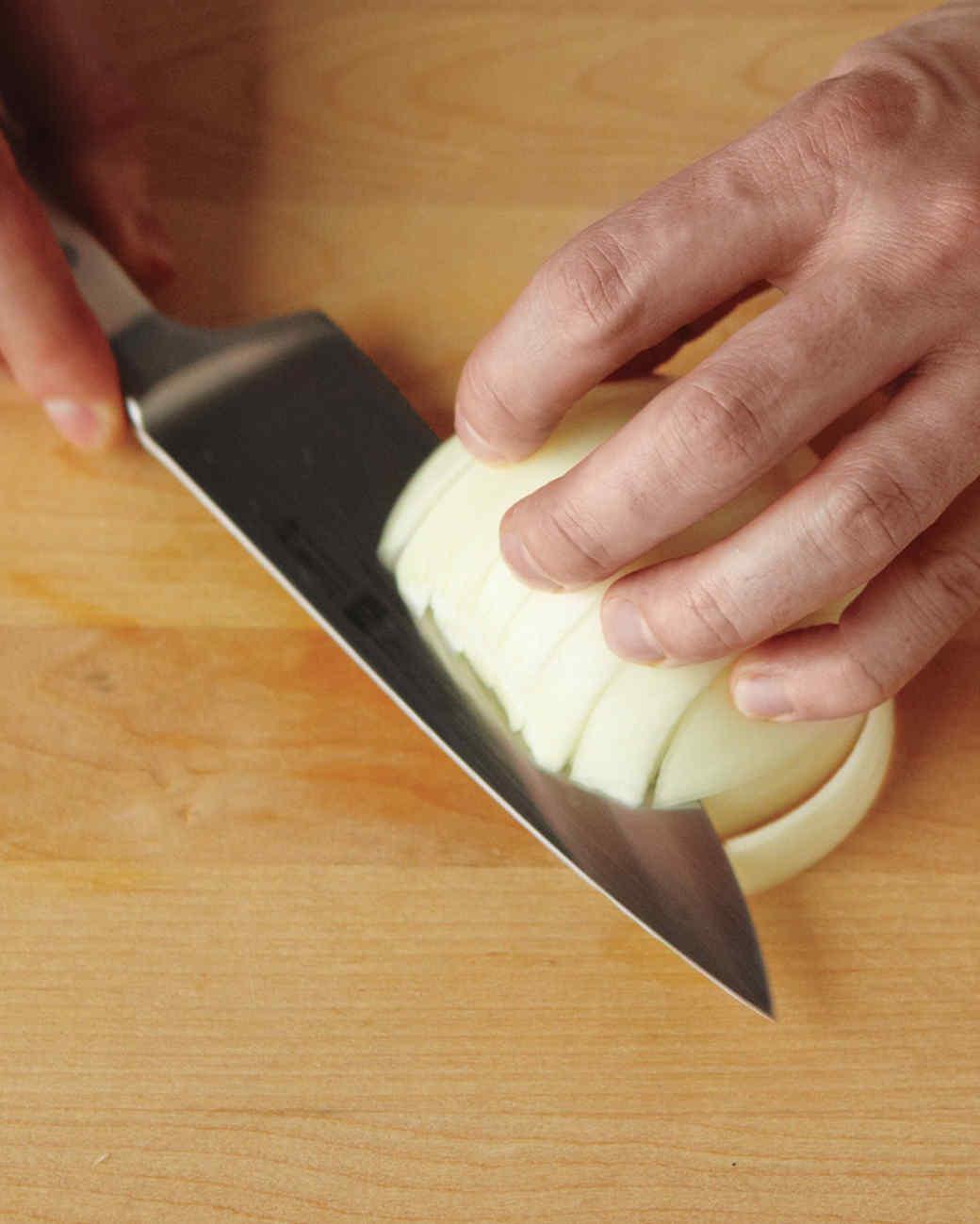 onions-dice-2-med108359.jpg