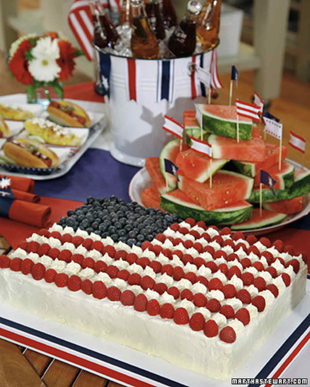 Flag sheet cake recipe video martha stewart for Fourth of july party dessert ideas