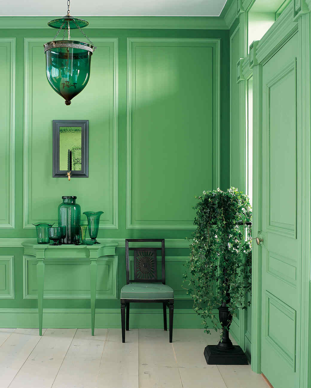 The tricks of home comfort: what color is combined with green