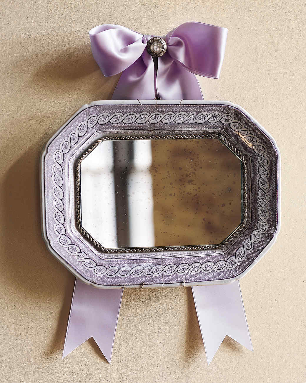 Platter to Mirror : ribbon plates antique - Pezcame.Com