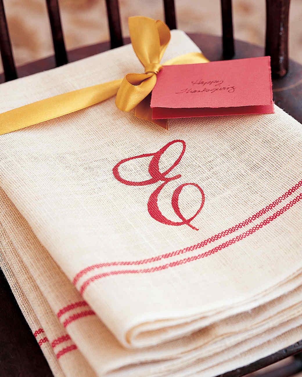 Ordinaire Monogrammed Hand Towel