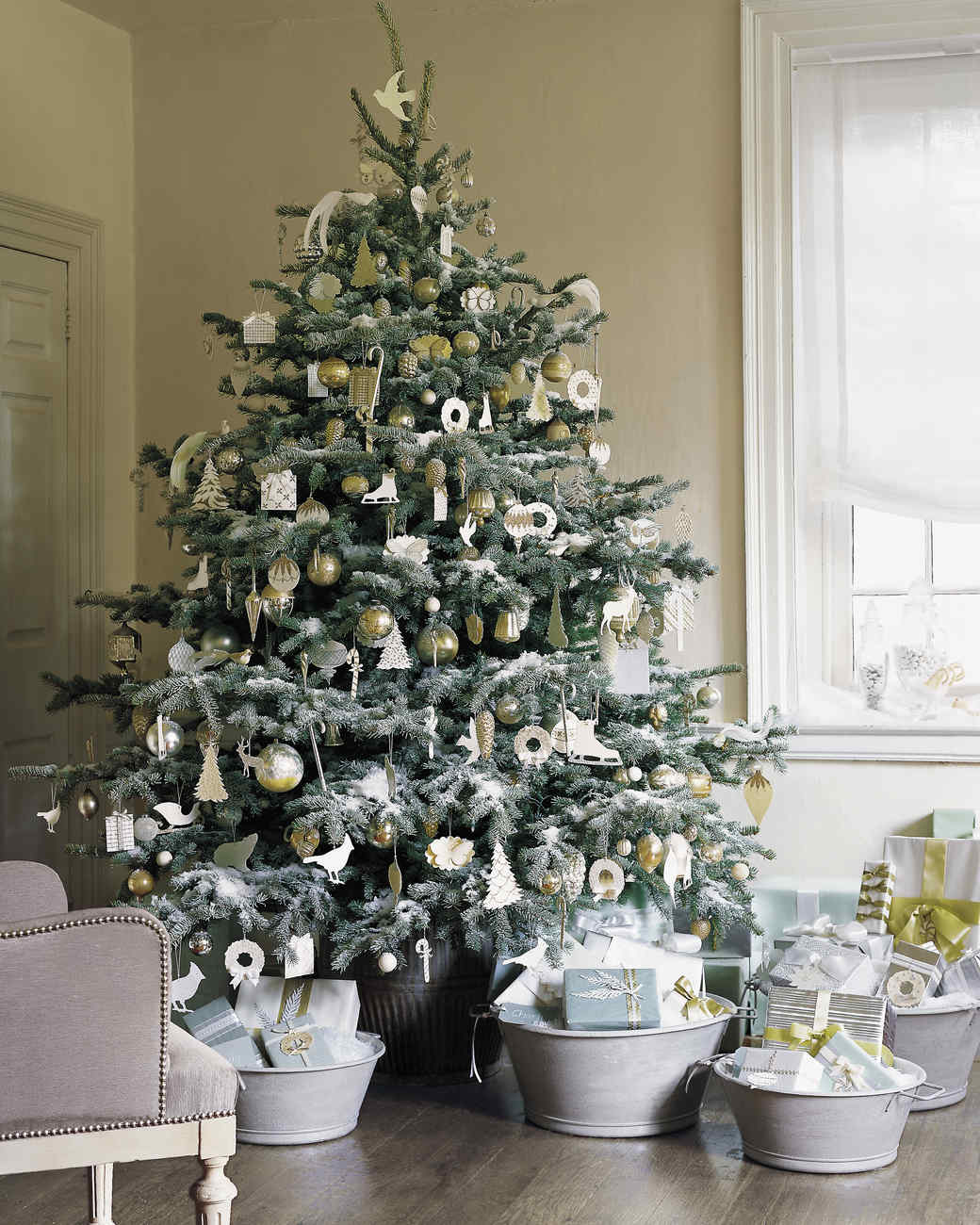 25 Creative Christmas Tree Decorating Ideas | Martha Stewart