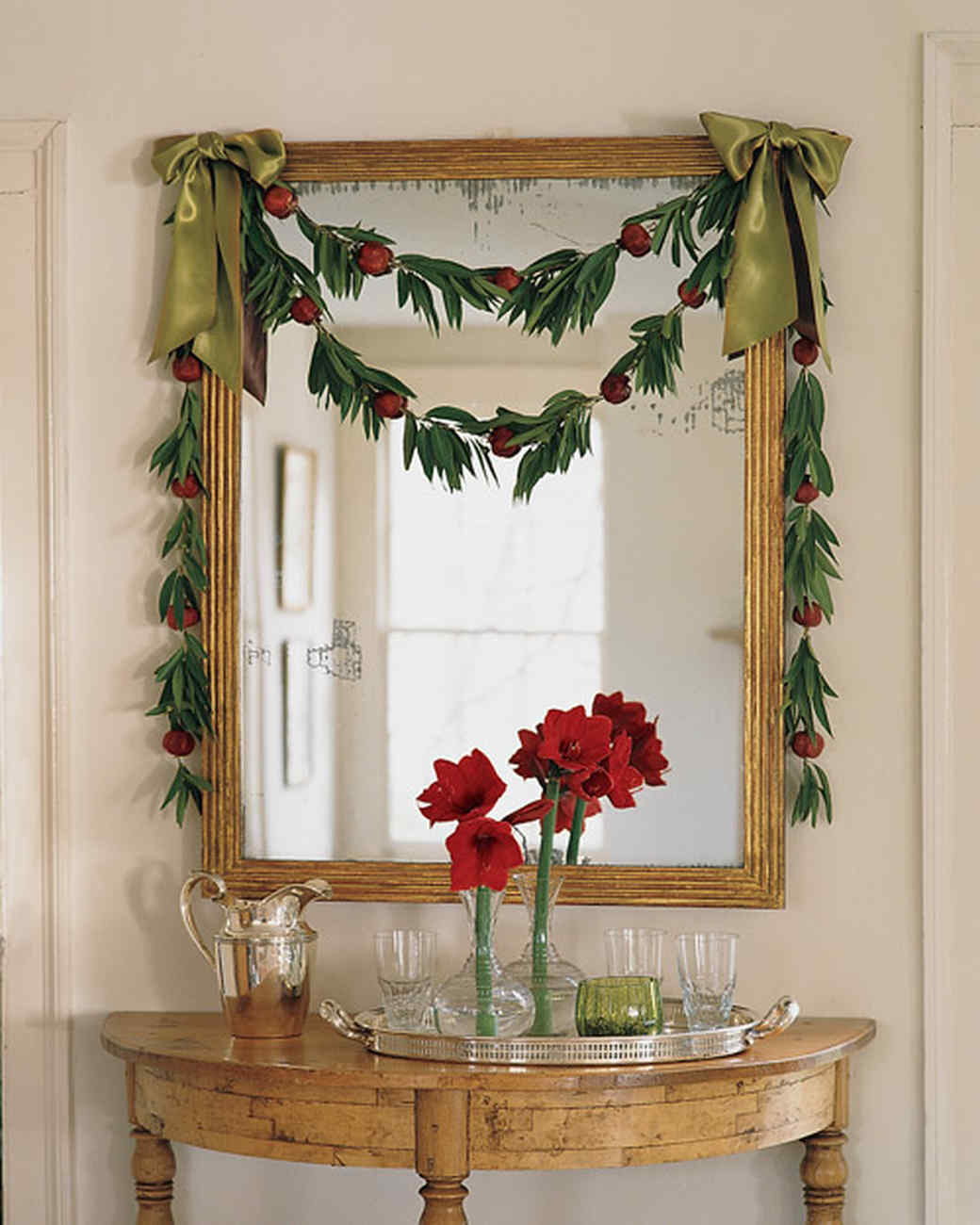 Make your own christmas garlands martha stewart bay leaf and pomegranate garland solutioingenieria Images