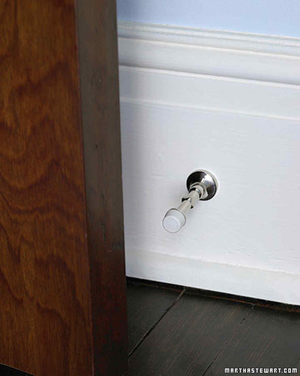 mld103162_0907_doorstop1.jpg