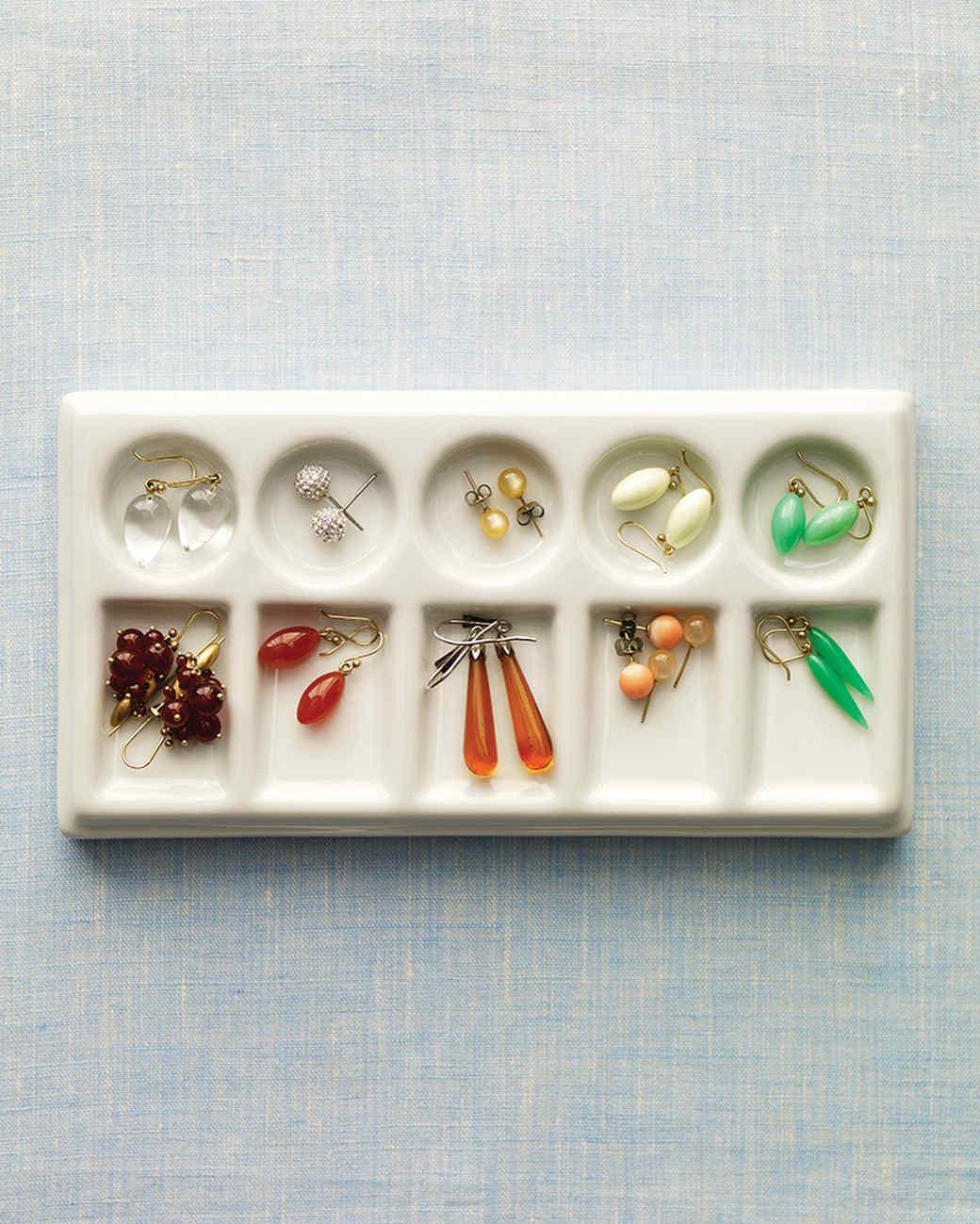 mld105455_0310_earrings2.jpg
