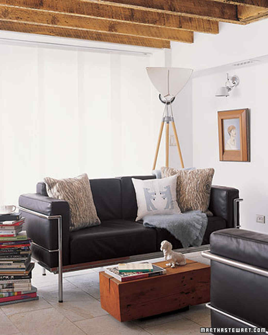 Black And White Living Room. A Black Leather Couch ... Part 61