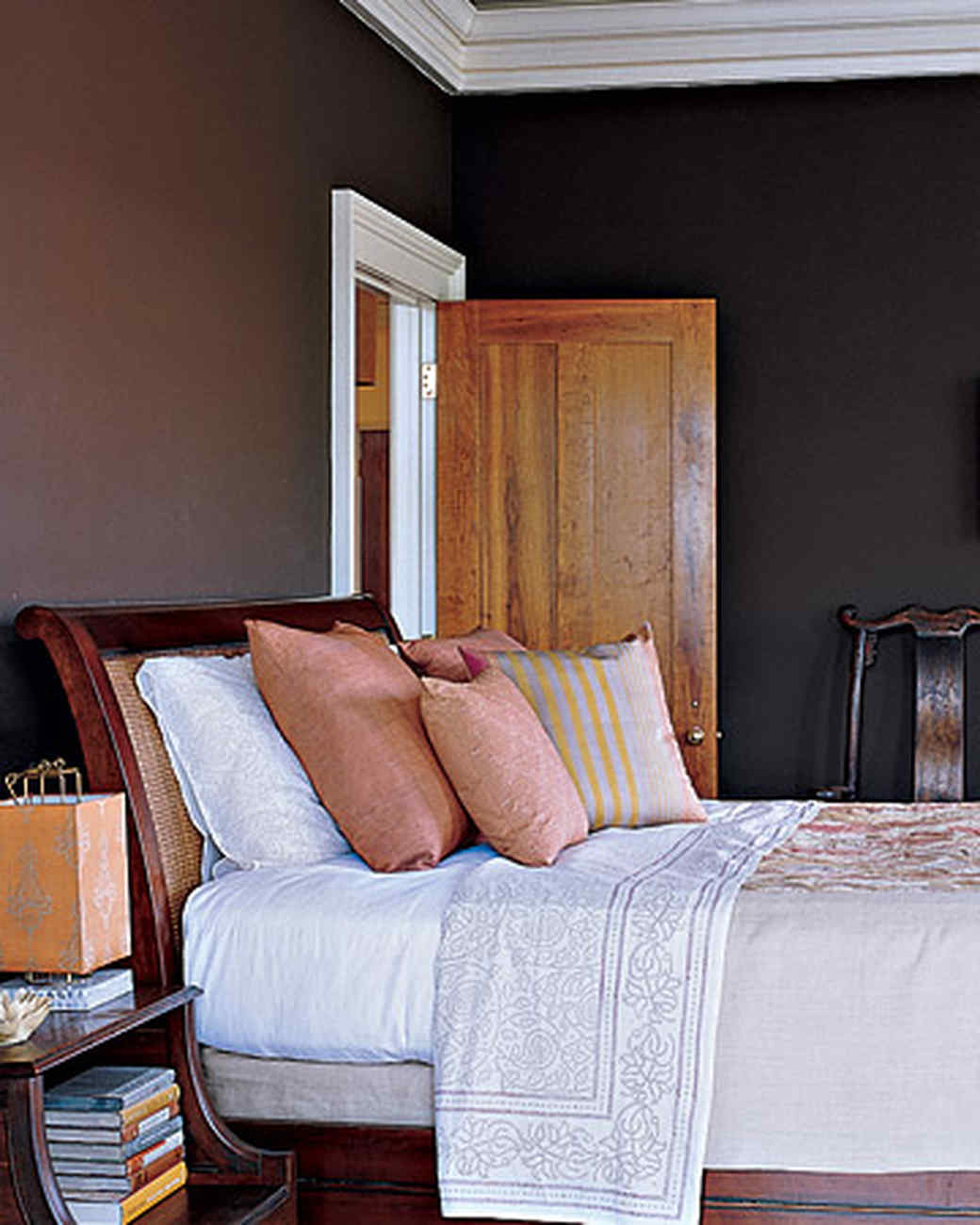 mpd102374_fall06_bedroom.jpg