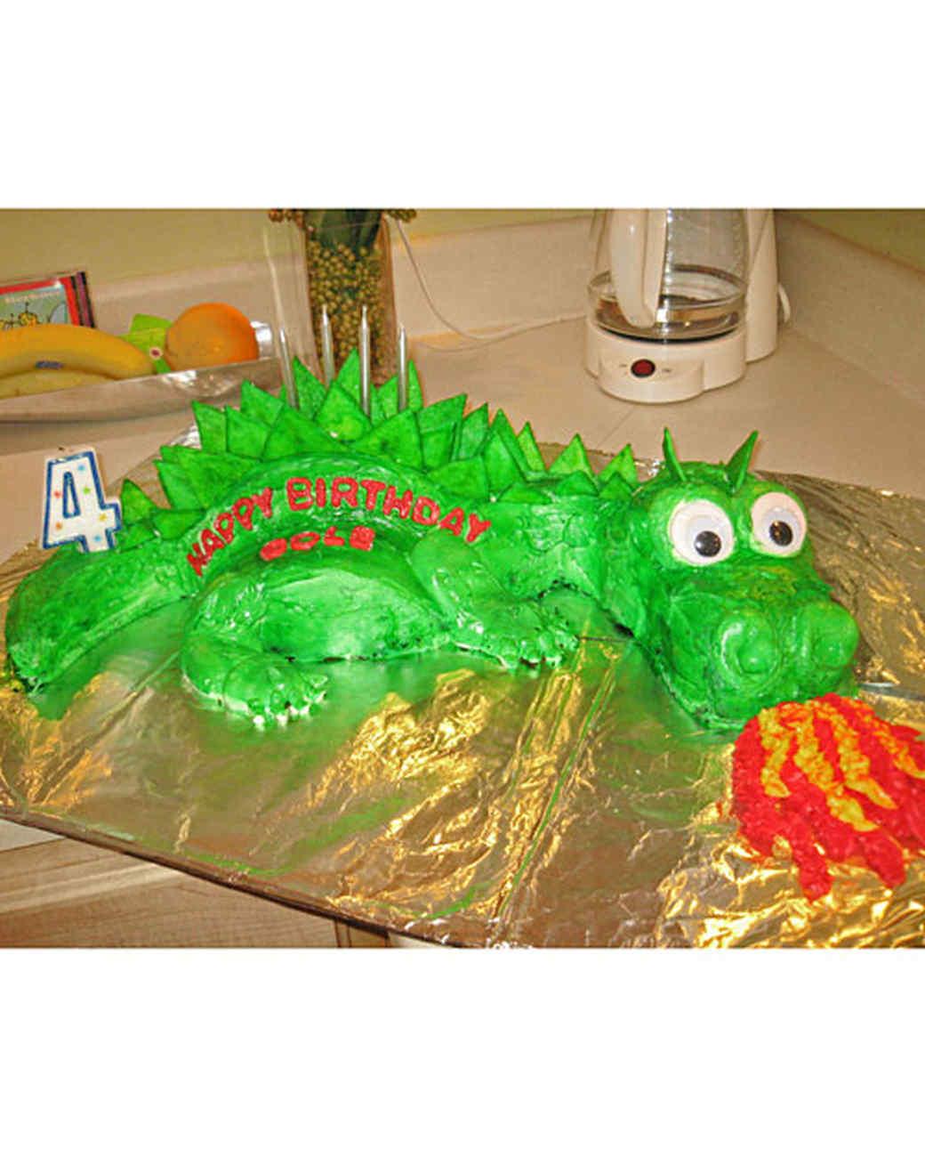 ms_celebrate_dragon_cake.jpg