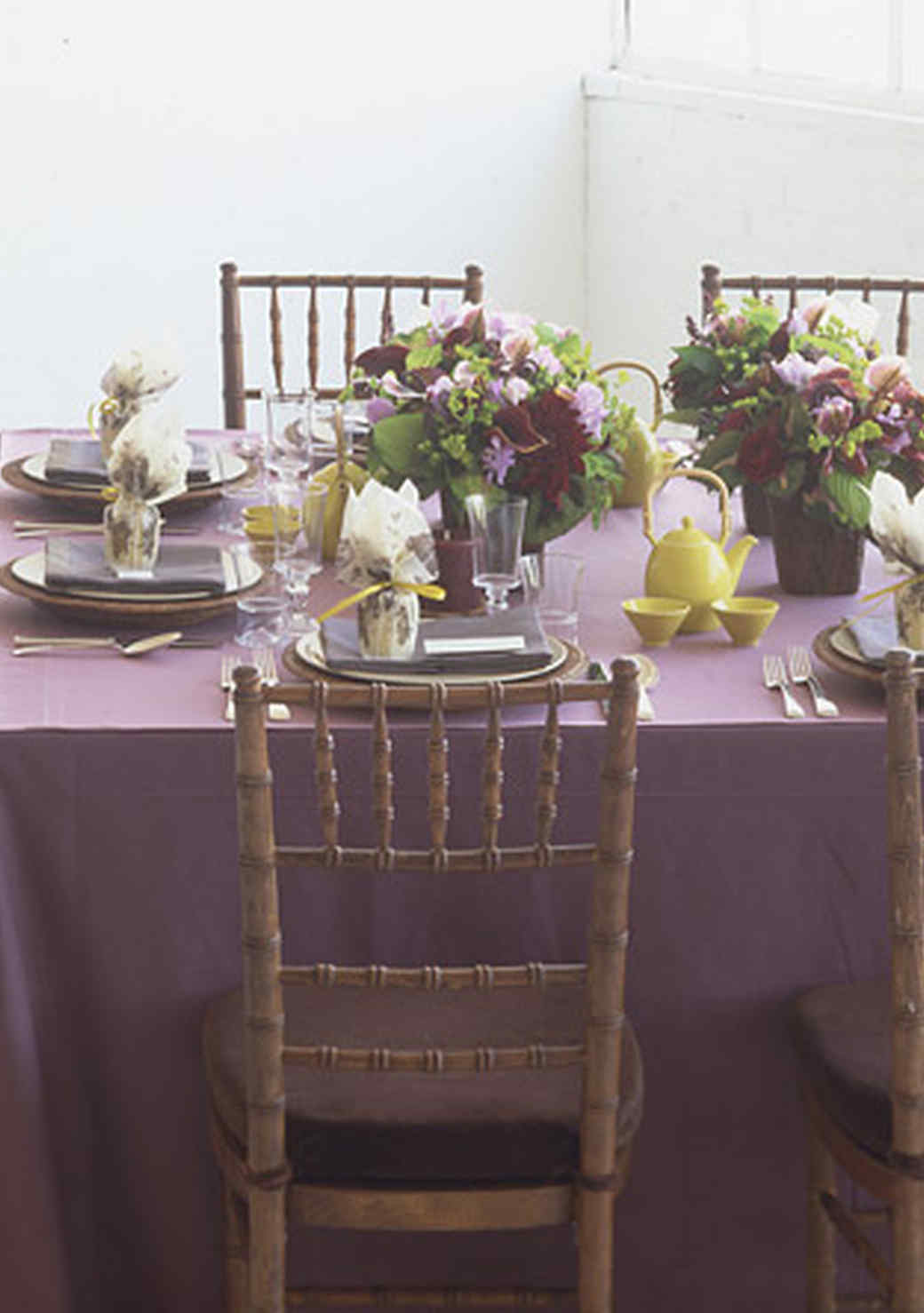 purple-dining-decor-1016.jpg (skyword:349116)