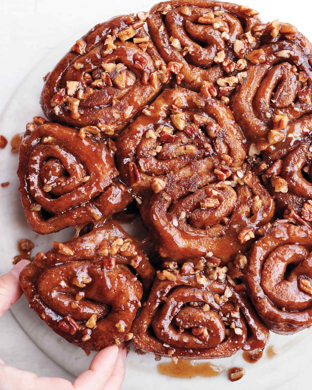 sticky-buns-727-md110606.jpg