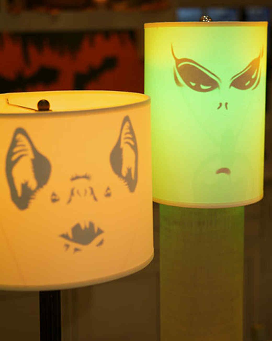 4032_102808_ghoulishlamps.jpg
