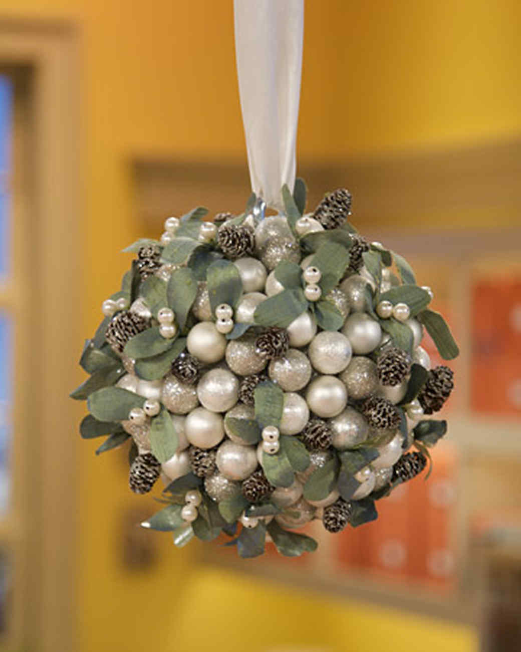 Mistletoe Kissing Ball & Video | Martha Stewart