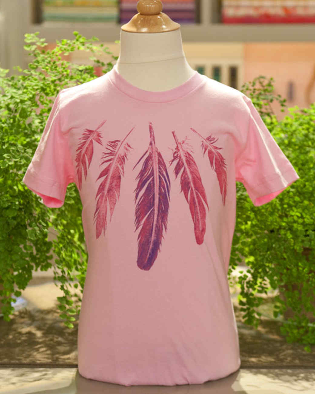 Feather-Printed T-Shirt Craft